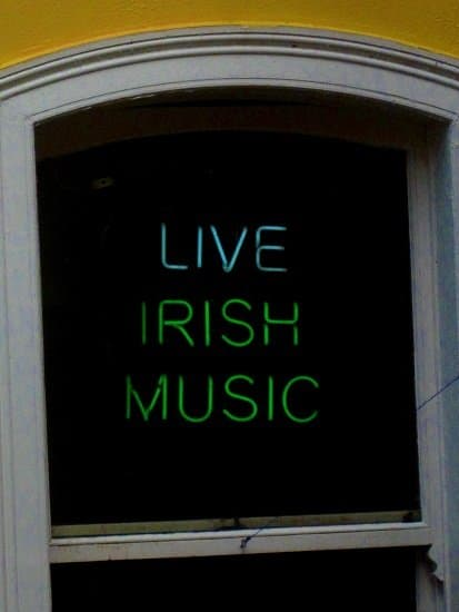 live irish music sign