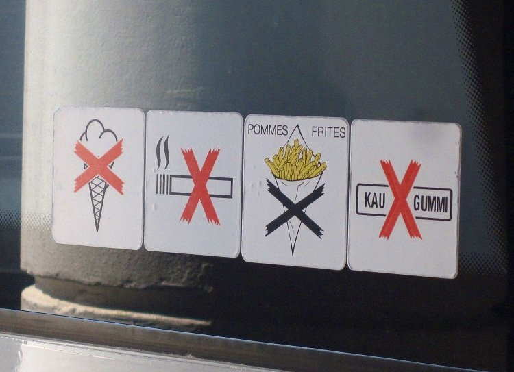 bus food sign croatia