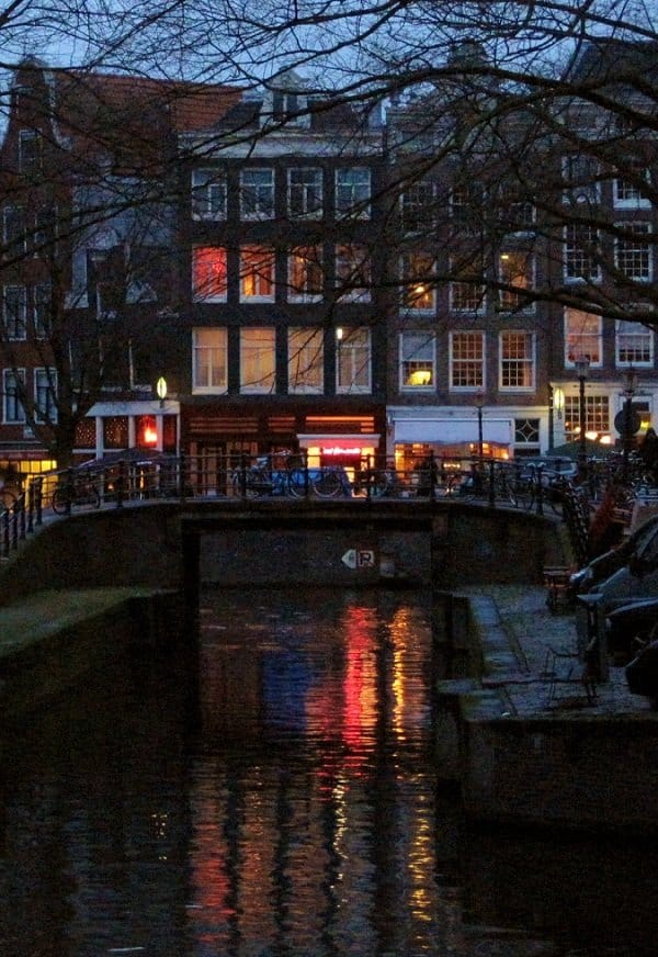 canals in amsterdam lights