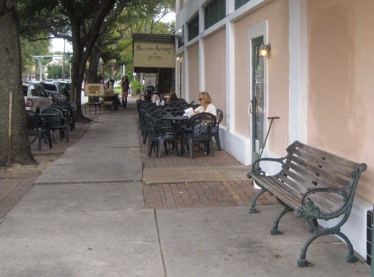 sidewalk cafe houston heights
