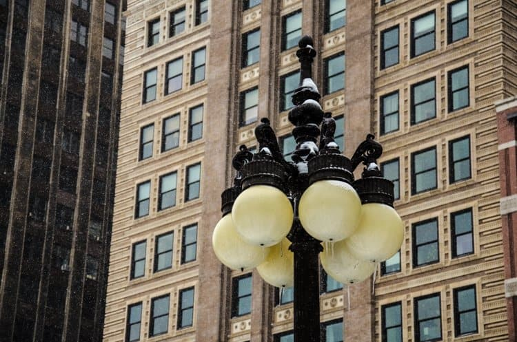 chicago lamppost icicles