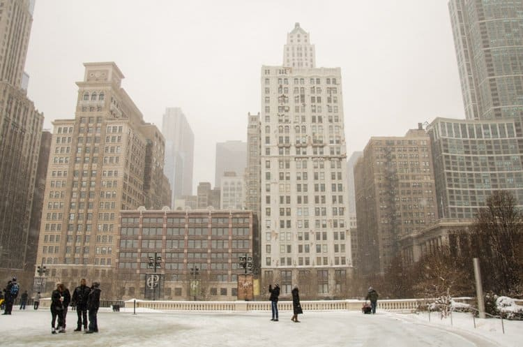 chicago winter downtown snow