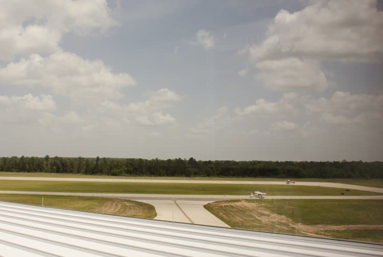 tarmac lone star executive airport conroe
