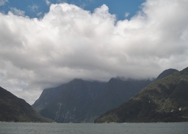 why you should not visit milford sound on a cloudy day