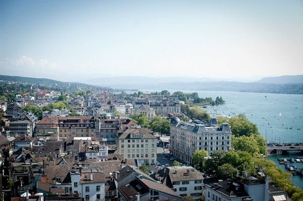 lake zurich switzerland
