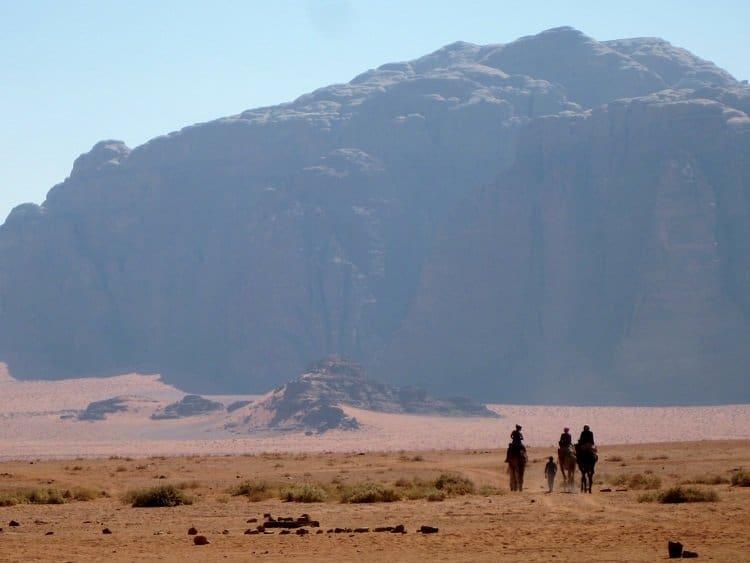 camel trek wadi rum jordan