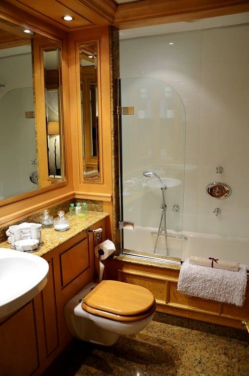 capital hotel bathroom london knightsbridge