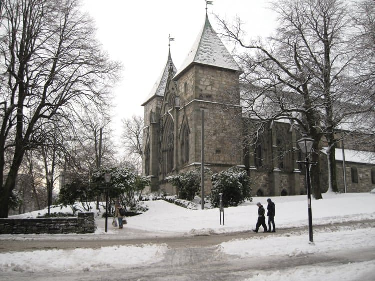 cathedral_snow