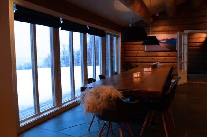 lyngen lodge dinner table