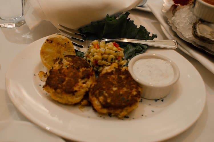 crab and lobster cakes