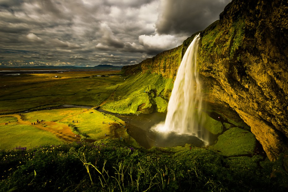 What to do in Iceland: Seljalandsfoss waterfall