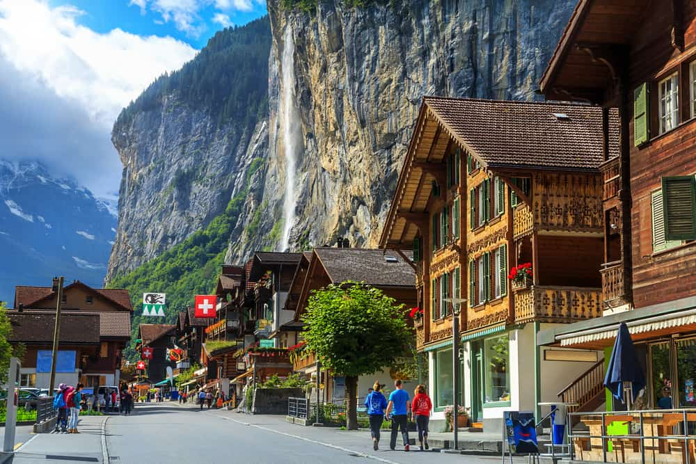 secret-places-europe-lauterbrunnen-switzerland-57209e0172a96